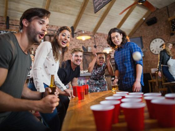 Partyspiele für Erwachsene: Bier Pong